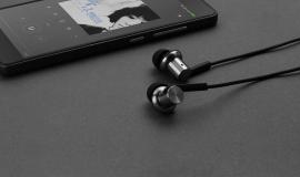 Nebojte se sluchátek od Xiaomi - Piston Iron Vás dostanou