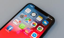 Apple iPhone X - telefon, který udává nový směr