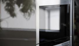 Jak vybrat kvalitní mikrovlnnou troubu za méně než 3 000 Kč